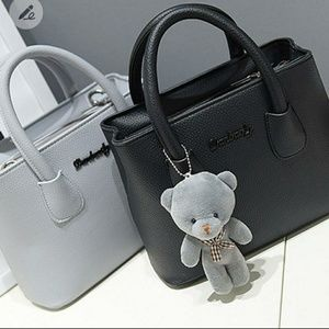⬇Lovely bear genuine leather satchel bag